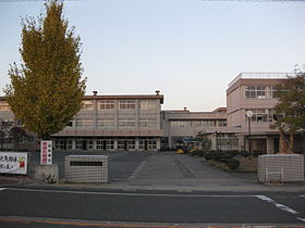 武生東高校